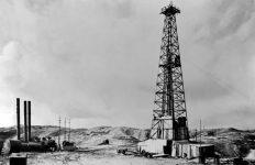 اولین های صنعت نفت ایران و جهان را بشناسید