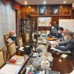 بررسی جمع آوری آب های سطحی، مشکلات آب شرب و روند مقابله با شیوع کرونا در دیدار استاندار خوزستان با وزیر نفت